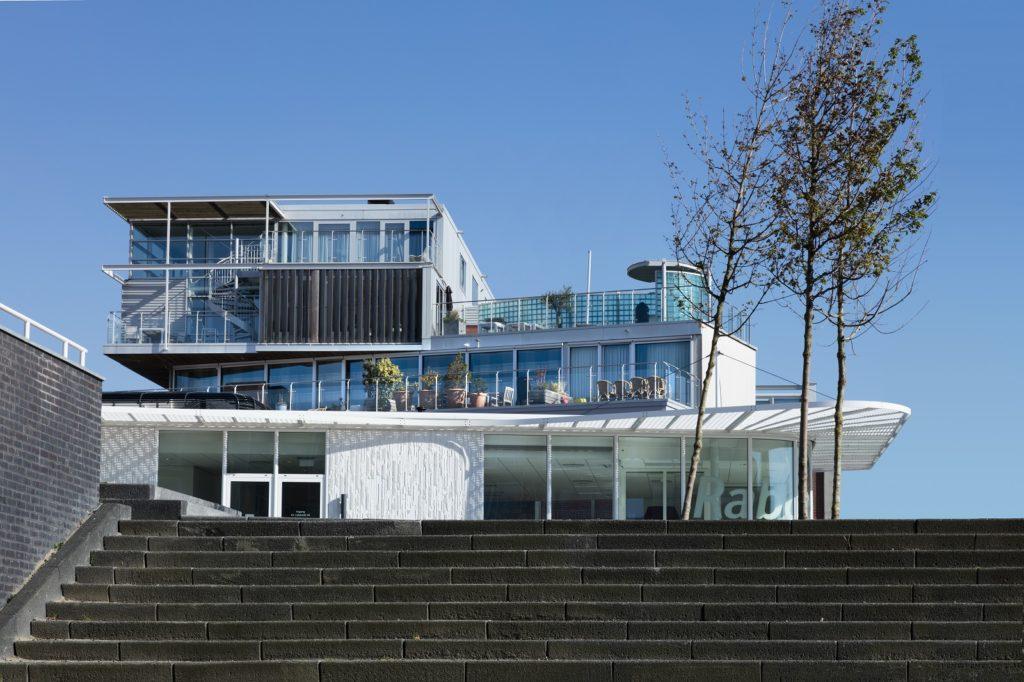 amfionie foto Nautilus en Radio Modern in Scheveningen