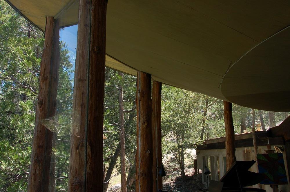 woonhuis in bos ontworpen door John Lautner