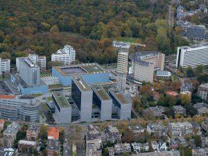 toren van oud luchtfoto transformatie